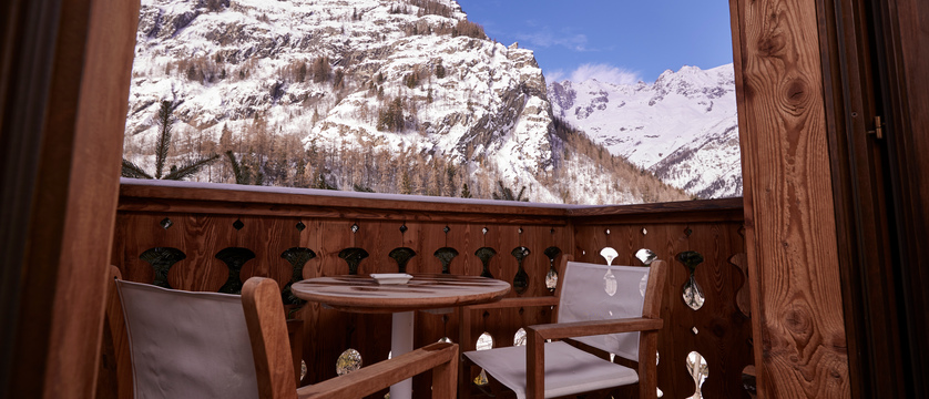 italy_courmayeur_hotel-gran-baita_balcony.jpg